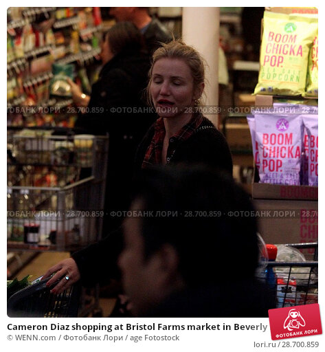 Купить «Cameron Diaz shopping at Bristol Farms market in Beverly Hills with her husband Benji Madden Featuring: Cameron Diaz Where: Los Angeles, California, United States When: 27 Dec 2016 Credit: WENN.com», фото № 28700859, снято 27 декабря 2016 г. (c) age Fotostock / Фотобанк Лори