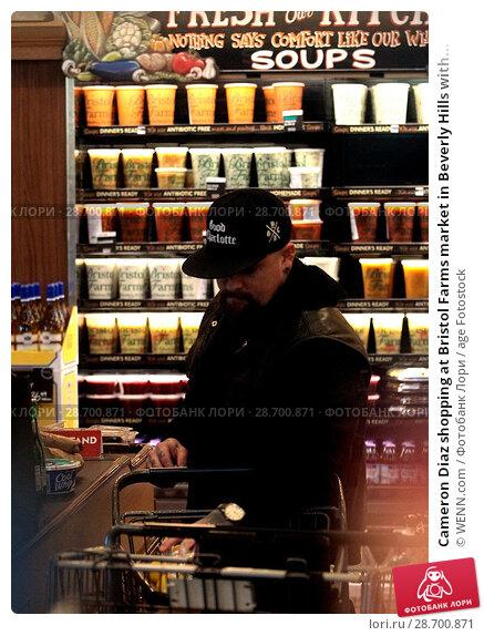 Купить «Cameron Diaz shopping at Bristol Farms market in Beverly Hills with her husband Benji Madden Featuring: Benji Madden Where: Los Angeles, California, United States When: 27 Dec 2016 Credit: WENN.com», фото № 28700871, снято 27 декабря 2016 г. (c) age Fotostock / Фотобанк Лори