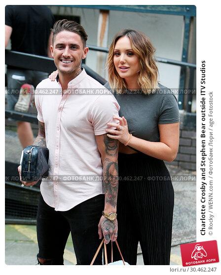 Charlotte Crosby and Stephen Bear outside ITV Studios (2017 год). Редакционное фото, фотограф Rocky / WENN.com / age Fotostock / Фотобанк Лори