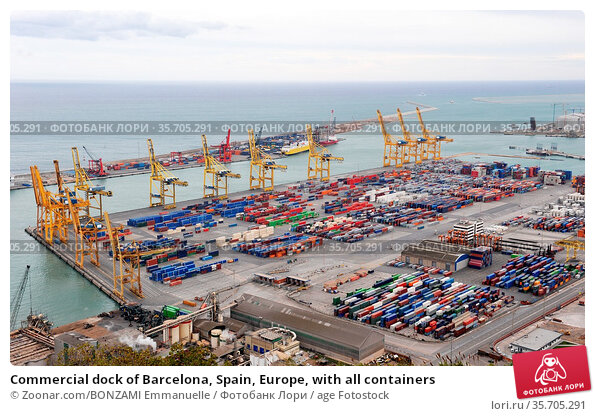 Commercial dock of Barcelona, Spain, Europe, with all containers. Стоковое фото, фотограф Zoonar.com/BONZAMI Emmanuelle / age Fotostock / Фотобанк Лори