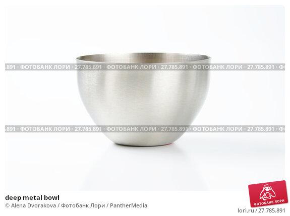 Купить «deep metal bowl», фото № 27785891, снято 21 октября 2018 г. (c) PantherMedia / Фотобанк Лори