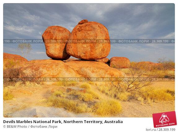Купить «Devils Marbles National Park, Northern Territory, Australia», фото № 28309199, снято 24 августа 2019 г. (c) BE&W Photo / Фотобанк Лори