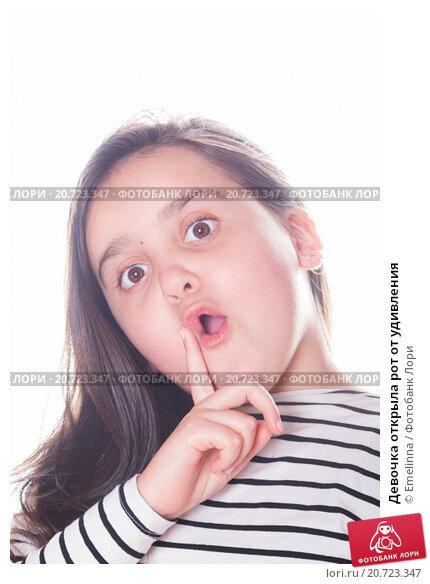 Девочке дали член в рот