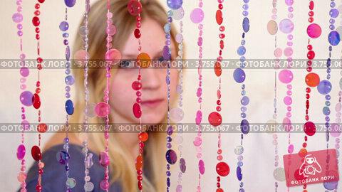 Купить «Девушка в расфокусе за занавесками», видеоролик № 3755067, снято 5 сентября 2011 г. (c) Losevsky Pavel / Фотобанк Лори