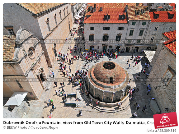 Купить «Dubrovnik Onofrio Fountain, view from Old Town City Walls, Dalmatia, Croatia», фото № 28309319, снято 12 декабря 2018 г. (c) BE&W Photo / Фотобанк Лори