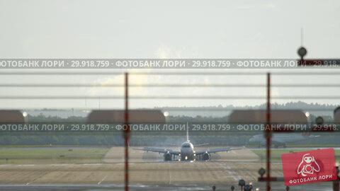 Купить «Dusseldorf airport traffic», видеоролик № 29918759, снято 21 июля 2017 г. (c) Игорь Жоров / Фотобанк Лори