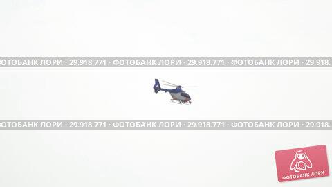 Купить «Dutch police helicopter», видеоролик № 29918771, снято 27 июля 2017 г. (c) Игорь Жоров / Фотобанк Лори