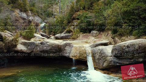Купить «El Torrent de la Cabana small mountain stream with crystal clear water», видеоролик № 29147343, снято 23 марта 2018 г. (c) Яков Филимонов / Фотобанк Лори