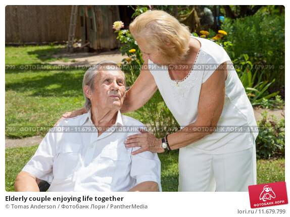 Elderly couple enjoying life together. Стоковое фото, фотограф Tomas Anderson / PantherMedia / Фотобанк Лори