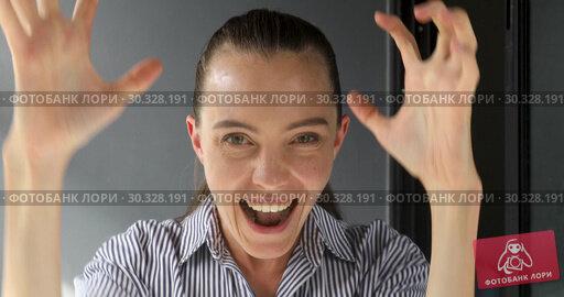 Купить «Emotional woman with crossed fingers waiting luck», видеоролик № 30328191, снято 28 февраля 2019 г. (c) Ekaterina Demidova / Фотобанк Лори