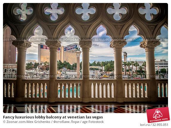 Fancy luxurious lobby balcony at venetian las vegas. Стоковое фото, фотограф Zoonar.com/Alex Grichenko / age Fotostock / Фотобанк Лори