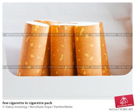 Купить «few cigarette in cigarette pack», фото № 10961427, снято 18 августа 2019 г. (c) PantherMedia / Фотобанк Лори