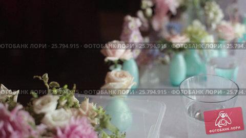 Купить «Flower compositions at the wedding», видеоролик № 25794915, снято 2 марта 2016 г. (c) Алексей Макаров / Фотобанк Лори