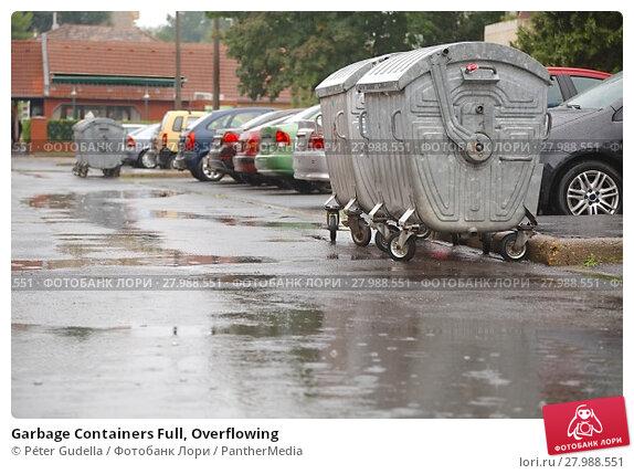 Купить «Garbage Containers Full, Overflowing», фото № 27988551, снято 20 февраля 2019 г. (c) PantherMedia / Фотобанк Лори