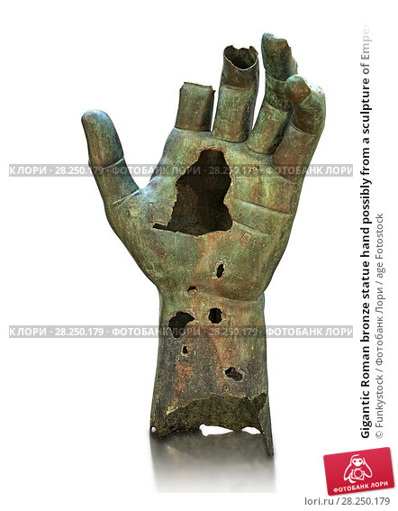 Купить «Gigantic Roman bronze statue hand possibly from a sculpture of Emperor Constantine, from Rome. The Capitoline Museums, Rome.», фото № 28250179, снято 25 апреля 2018 г. (c) age Fotostock / Фотобанк Лори