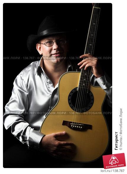 Гитарист, фото № 138787, снято 5 августа 2007 г. (c) hunta / Фотобанк Лори