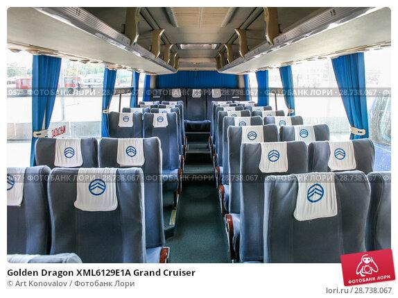 Купить «Golden Dragon XML6129E1A Grand Cruiser», фото № 28738067, снято 18 сентября 2009 г. (c) Art Konovalov / Фотобанк Лори