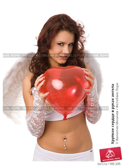 Хрупкое сердце в руках ангела, фото № 185335, снято 20 января 2008 г. (c) Валентин Мосичев / Фотобанк Лори