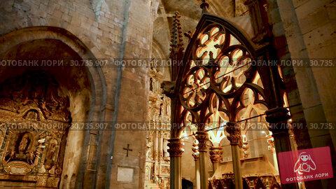 Купить «Interior of church in Monastery of Santa Maria de Santes Creus, Aiguamurcia, Spain», видеоролик № 30735907, снято 11 февраля 2019 г. (c) Яков Филимонов / Фотобанк Лори