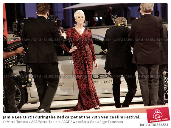 Jamie Lee Curtis during the Red carpet at the 78th Venice Film Festival... Редакционное фото, фотограф Mirco Toniolo / AGF/Mirco Toniolo / AGF / age Fotostock / Фотобанк Лори