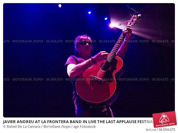 JAVIER ANDREU AT LA FRONTERA BAND IN LIVE THE LAST APPLAUSE FESTIVAL... Редакционное фото, фотограф Rafael De La Camara / age Fotostock / Фотобанк Лори