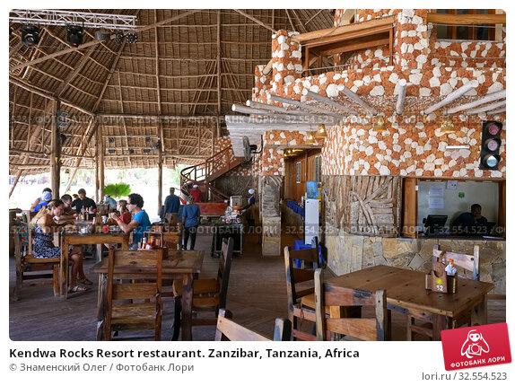Купить «Kendwa Rocks Resort restaurant. Zanzibar, Tanzania, Africa», фото № 32554523, снято 3 октября 2019 г. (c) Знаменский Олег / Фотобанк Лори
