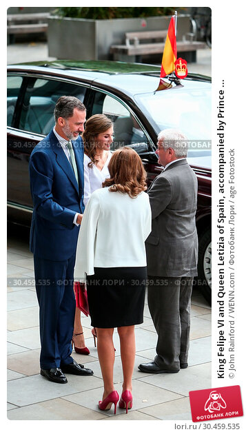 King Felipe VI and Queen Letizia of Spain, accompanied by Prince ... (2017 год). Редакционное фото, фотограф John Rainford / WENN.com / age Fotostock / Фотобанк Лори