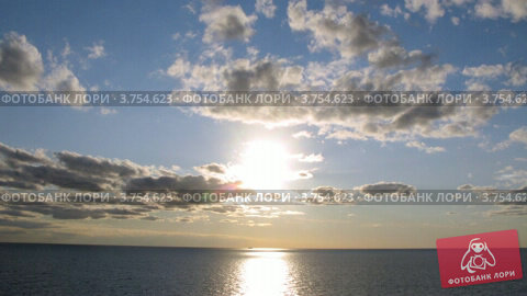 Купить «Красивый закат на море», видеоролик № 3754623, снято 12 августа 2011 г. (c) Losevsky Pavel / Фотобанк Лори