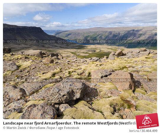 Landscape near fjord Arnarfjoerdur. The remote Westfjords (Vestfirdir) in north west Iceland. Europe, Scandinavia, Iceland. Стоковое фото, фотограф Martin Zwick / age Fotostock / Фотобанк Лори