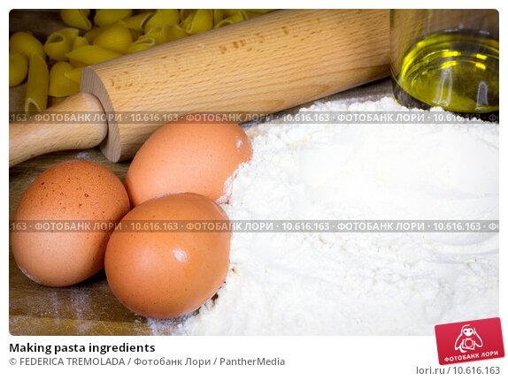 Making pasta ingredients. Стоковое фото, фотограф FEDERICA TREMOLADA / PantherMedia / Фотобанк Лори