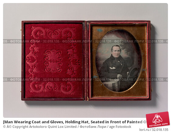 Купить «[Man Wearing Coat and Gloves, Holding Hat, Seated in Front of Painted Outdoor Backdrop], 1840s, Daguerreotype, Image: 12 x 9 cm (4 3/4 x 3 9/16 in.), Photographs...», фото № 32018135, снято 22 мая 2017 г. (c) age Fotostock / Фотобанк Лори