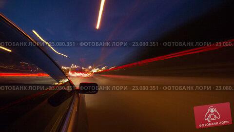 Машина едет по ночной дороге в Москве, таймлапс, видеоролик № 23080351, снято 12 июня 2016 г. (c) Виталий Поздеев / Фотобанк Лори