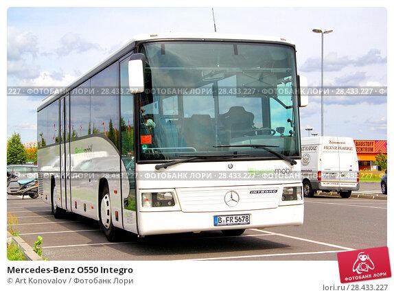 Купить «Mercedes-Benz O550 Integro», фото № 28433227, снято 11 августа 2014 г. (c) Art Konovalov / Фотобанк Лори