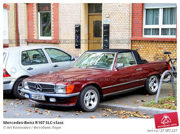 Купить «Mercedes-Benz R107 SLC-class», фото № 27387227, снято 15 сентября 2013 г. (c) Art Konovalov / Фотобанк Лори