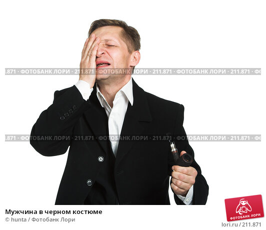 Купить «Мужчина в черном костюме», фото № 211871, снято 18 октября 2007 г. (c) hunta / Фотобанк Лори