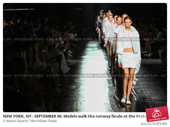 Купить «NEW YORK, NY - SEPTEMBER 06: Models walk the runway finale at the Prabal Gurung fashion show during Mercedes-Benz Fashion Week Spring 2015 on September 6, 2014 in New York City.», фото № 6973491, снято 6 сентября 2014 г. (c) Anton Oparin / Фотобанк Лори
