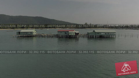 Купить «Pearl mining and living houses in the water in Vientam», видеоролик № 32392115, снято 3 ноября 2019 г. (c) Aleksejs Bergmanis / Фотобанк Лори