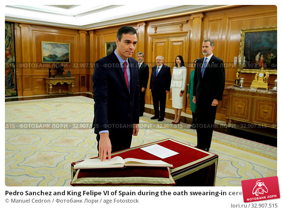Pedro Sanchez and King Felipe VI of Spain during the oath swearing-in ceremony as new Prime Minister at the Zarzuela Palace in Madrid on January 8, 2020. Редакционное фото, фотограф Manuel Cedron / age Fotostock / Фотобанк Лори
