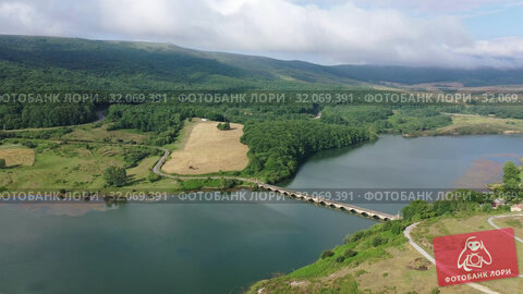 Picturesque landscape of Ebro river near Campoo de Enmedio, Cantabria, Spain (2019 год). Стоковое видео, видеограф Яков Филимонов / Фотобанк Лори