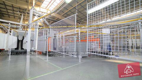Купить «Powder coating line. Metal grates move on an overhead conveyor.», видеоролик № 29981359, снято 15 октября 2018 г. (c) Андрей Радченко / Фотобанк Лори