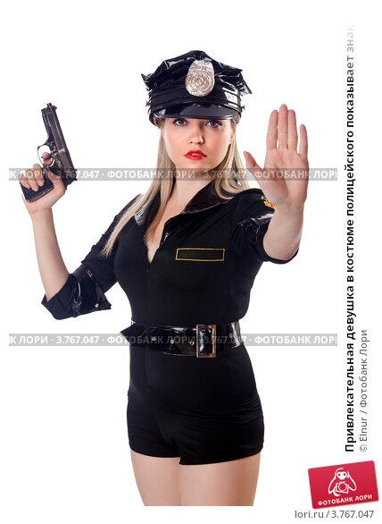 девушка полицейская показывает