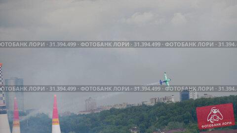 Купить «Racing airplane at the stage», видеоролик № 31394499, снято 16 июня 2019 г. (c) Игорь Жоров / Фотобанк Лори