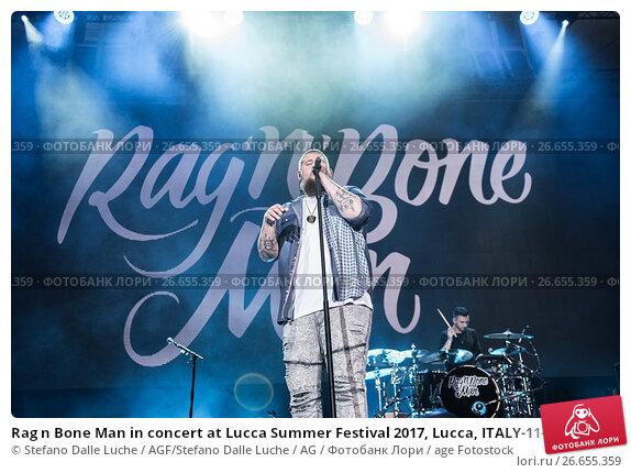 rag n bone man in concert at lucca summer festival 2017 lucca italy 11 07 2017. Black Bedroom Furniture Sets. Home Design Ideas