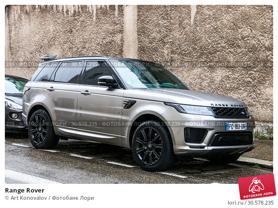 Купить «Range Rover», фото № 30578235, снято 14 марта 2019 г. (c) Art Konovalov / Фотобанк Лори