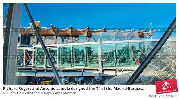 Richard Rogers and Antonio Lamela designed the T4 of the Madrid-Barajas... Стоковое фото, фотограф Ruddy Gold / age Fotostock / Фотобанк Лори