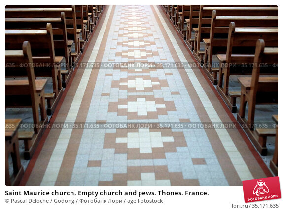 Saint Maurice church. Empty church and pews. Thones. France. Стоковое фото, фотограф Pascal Deloche / Godong / age Fotostock / Фотобанк Лори