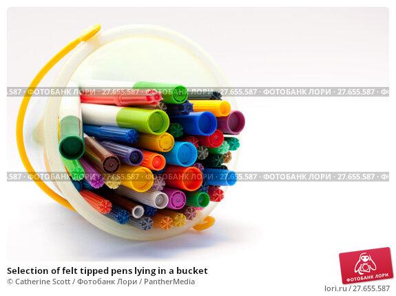 Купить «Selection of felt tipped pens lying in a bucket», фото № 27655587, снято 19 августа 2019 г. (c) PantherMedia / Фотобанк Лори