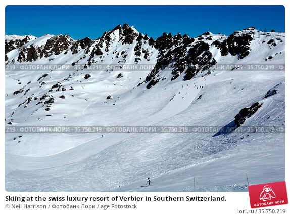 Skiing at the swiss luxury resort of Verbier in Southern Switzerland. Стоковое фото, фотограф Neil Harrison / age Fotostock / Фотобанк Лори