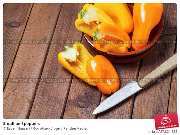 Купить «Small bell peppers», фото № 27821535, снято 20 февраля 2018 г. (c) PantherMedia / Фотобанк Лори