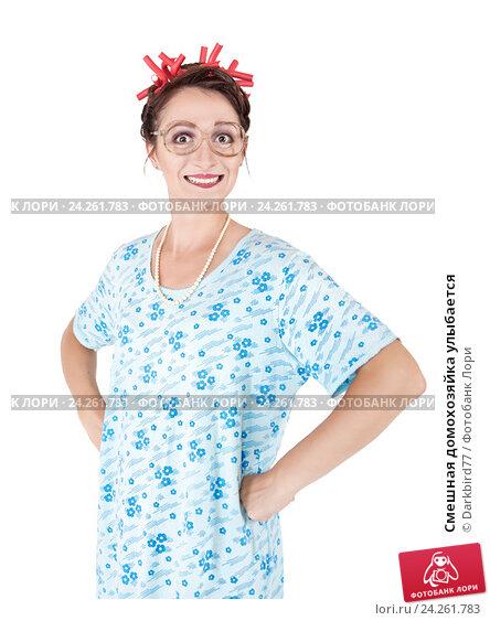 Купить «Смешная домохозяйка улыбается», фото № 24261783, снято 22 июня 2018 г. (c) Darkbird77 / Фотобанк Лори